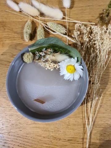 Bougie de fleurs séchées